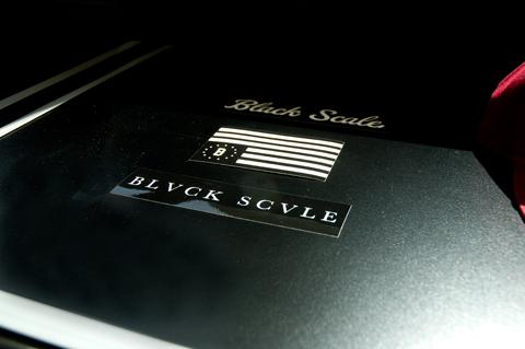 Online: Black Scale