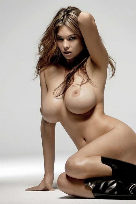 tera patrick topless 4thumb
