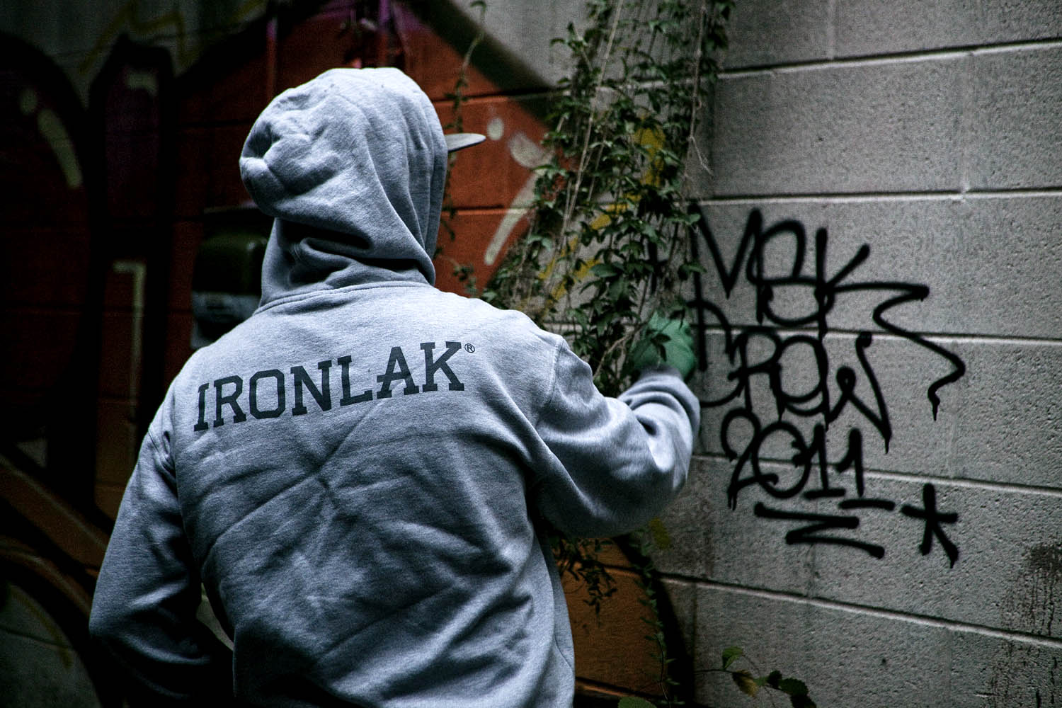 IronlakXmasLookBook10 A313 IRONLAK CHRISTMAS 2011 LOOKBOOK