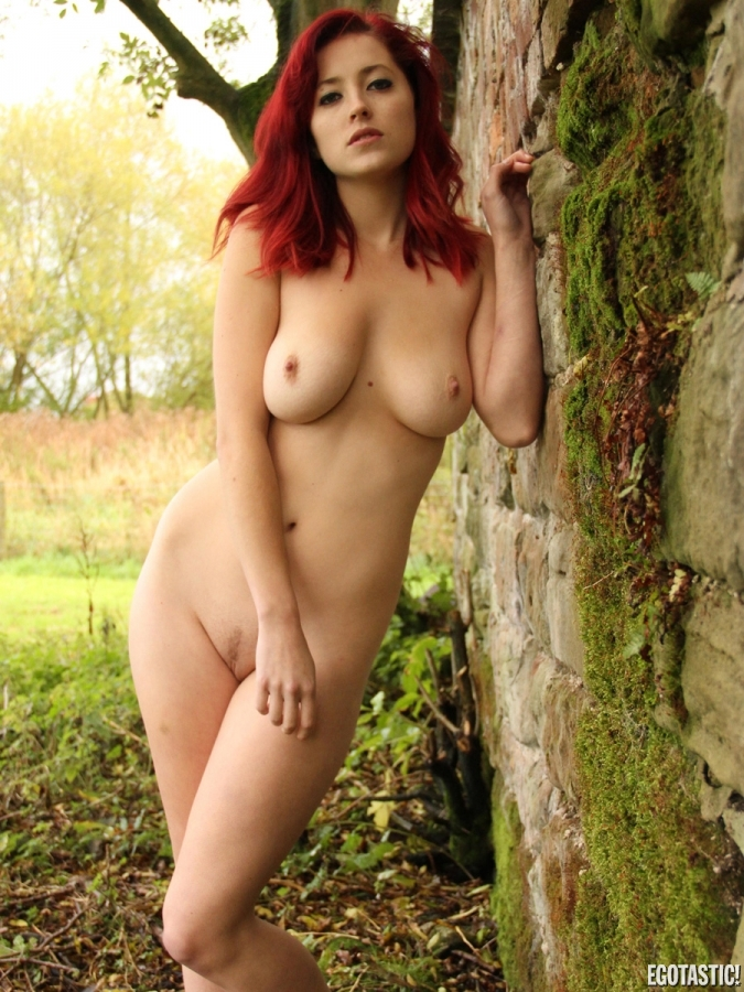 lucy-collett-nude-0