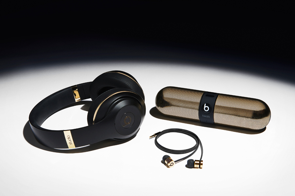 alexander-wang-x-beats-by-dre-collaboration-1